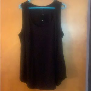 Black scoop neck tank